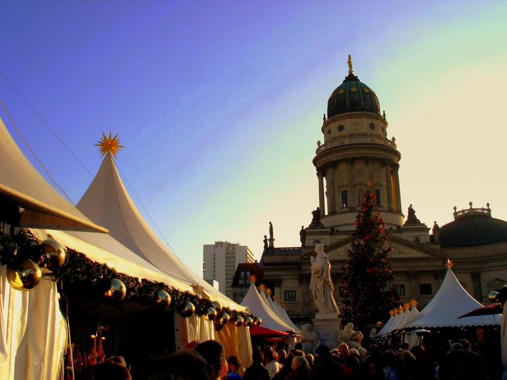 Glühweinempfang: Wir bieten Ihnen unsere Winzer-Glühwein in Berlin gerne zu jedem Catering an.