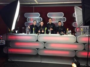 Barkeeper und Showbarkeeper, keine Cocktailmixer unser Team freut sich auf Sie.