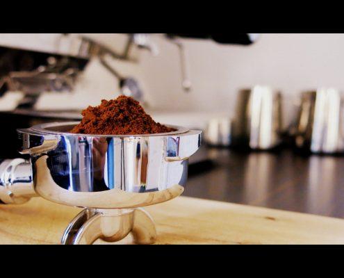 Längst ein Klassiker, das braune Pulver um das sich alles dreht: Kaffee und Espresso Service für Berlin und Deutschland.